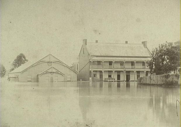 The Drill Hall and Crown Hotel inundated by the 1898 flood. Copyright: Camden Historical Society.