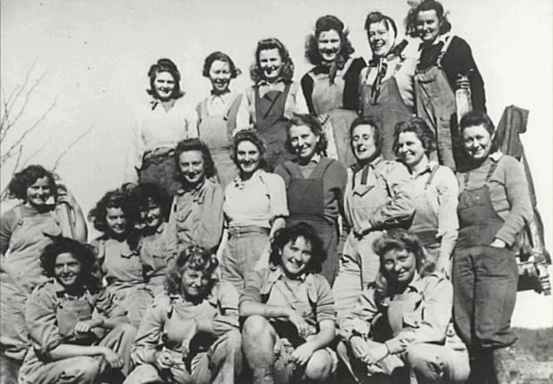 Group of Land Army Girls who were working on Camden Park during World War II. Some names available on back of photo at the Camden Museum. Copyright: Camden Historical Society.