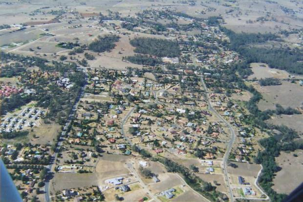 Grasmere to right, Werombi Road with Carrington Retirement Village to left. 2007. Copyright: Camden Historical Society.
